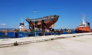 Barco que afundou com 700 pessoas vai virar memorial na Itália