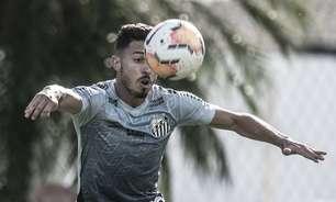 Fernandes destaca a atuação de Jean Mota como volante no Santos