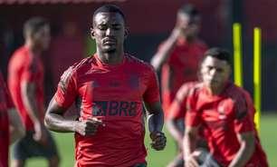 Destaque do Flamengo no início do Carioca, Ramon se credencia a receber primeira chance com Ceni