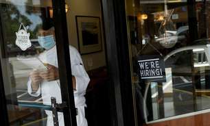 Pedidos de auxílio-desemprego nos EUA caem mais que o esperado