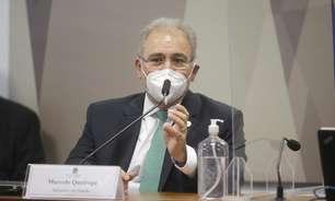 Queiroga admite que inflou dados de vacinas do governo