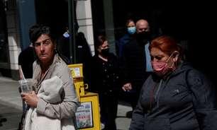 Norte-americanos relutam em descartar máscara
