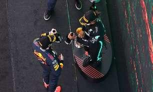 """Red Bull """"tira chapéu"""" para Mercedes: """"Não tinha o que fazer, eram melhores"""""""