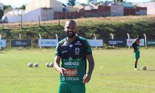 Da quase aposentadoria ao confronto diante do Atlético-PR: Carlinhos pode estrear pelo Maringá