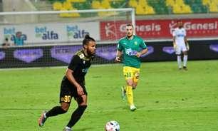 Principal jogador do Chipre, Danilo destaca temporada de alto nível