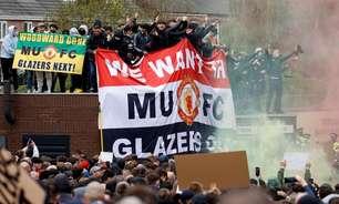 Torcedores do United voltam a protestar antes de clássico