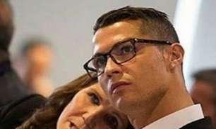 O bom filho à casa torna? Mãe de Cristiano Ronaldo promete retorno do craque ao Sporting