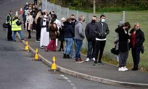 Reino Unido pode adaptar vacinação para enfrentar variante