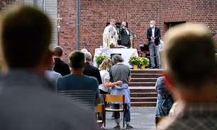 Os padres alemães que desafiam o Vaticano abençoando uniões homoafetivas