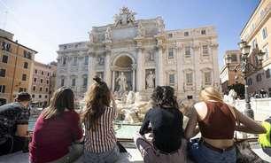 Aglomeração em Roma provoca fechamento da Fontana di Trevi
