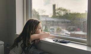 Pandemia agrava 'déficit de natureza' em crianças e adultos: 'Estamos menos vivos quando nos concentramos nas telas'
