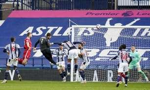 Alisson marca de cabeça nos acréscimos e garante vitória do Liverpool sobre o West Bromwich