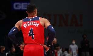 Westbrook conclui quarta temporada com média de triplo-duplo