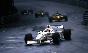 Mônaco, 1997: Barrichello em uma atuação de gala sob chuva