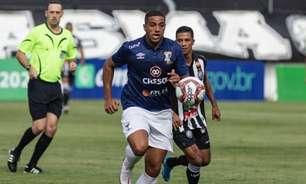 Lateral Igor Bosel comenta vitória do Azuriz no jogo de ida das quartas de final do campeonato paranaense