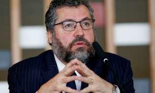 CPI da Covid: os 3 focos do depoimento de Ernesto Araújo, abandonado por governistas