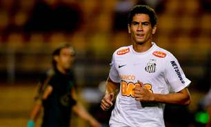 Camacho e Sánchez fazem Santos se distanciar de Ganso