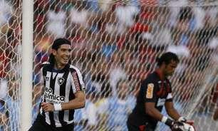 Botafogo agradece Loco Abreu após aposentadoria: 'Que bom que nossas histórias se encontraram'