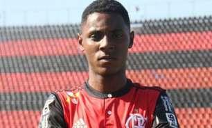 Após dois anos e meio do incêndio no Ninho, Jhonata Ventura volta a ser relacionado pelo Flamengo