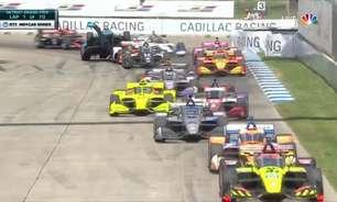 Chilton decola após bater em Hinchcliffe e causa amarela no GP de Detroit 2