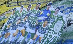 Edilson pede respeito a torcedores do Palmeiras após bandeira com máscara: 'Nada apaga uma história'
