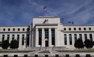 Fed avança com cautela para debate sobre redução de estímulos meses antes de agir