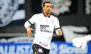 Com dores na panturrilha, Jô é baixa do Corinthians contra o Red Bull Bragantino
