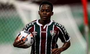 Cazares se reapresenta e fica disponível para jogo contra o Santos