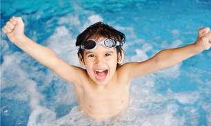Prática da natação na infância impulsiona o desenvolvimento