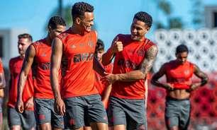 Com desfalques e Muniz em alta, Flamengo amplia espaço da base no elenco