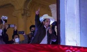 Tribunal eleitoral peruano corre para declarar vencedor de eleições e Castillo constrói alianças
