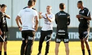 Sylvinho quer montar Corinthians 'forte e competitivo' na temporada