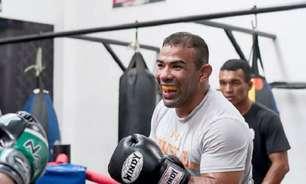 À base de açaí, Michel Trator aposta em jogo de pressão para desbancar adversário invicto no UFC