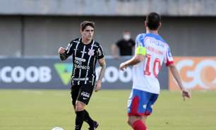 Corinthians mostra mais organização e precisa de Fagner no ataque