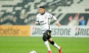 Sylvinho não vê Adson como substituto de Ramiro no Corinthians: 'Características muito diferentes'