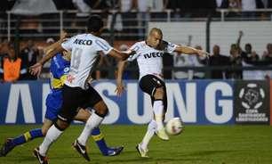 Após polêmica com Jô, Sheik posta foto da chuteira que usou no título da Libertadores do Corinthians