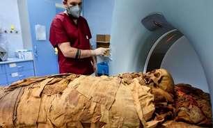Hospital da Itália usa tomógrafo para descobrir segredos de múmia egípcia