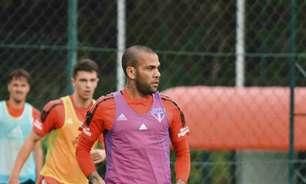 Dani Alves treina e pode voltar ao time do São Paulo contra o Cuiabá