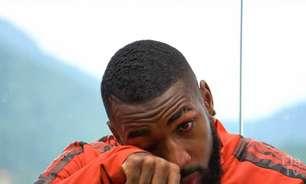 Gerson chora em programa de despedida e revela que ligação de Jesus o fez desistir de deixar o futebol