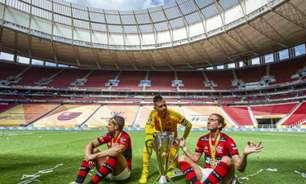 Filipe Luís brinca com Gerson e diz que ele, Diego Ribas e Alves o treinarão na volta ao Flamengo