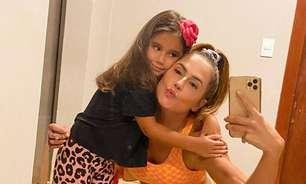 Maria Flor, filha de Deborah Secco, estreia como atriz