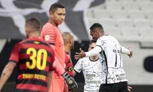 Jô celebra vitória do Corinthians e gol marcado após polêmica: 'Tenho que responder dentro de campo'