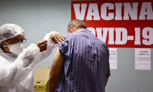 Chefe de vacinas da Pfizer: 'Quando chegar sua vez, tome a que estiver disponível'