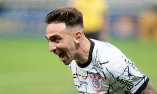 Após drama pessoal, Mosquito volta ao Corinthians, joga bem e é elogiado por Sylvinho: 'Excepcional atleta'