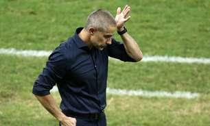 Derby será decisivo para Sylvinho, mas não rende demissão