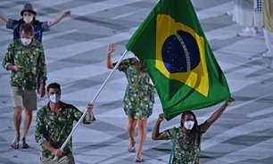 Bernardinho se emociona com desfile do filho na Olimpíada