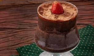 Receita de torta de chocolate na taça