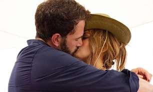 Jennifer Lopez assume romance com Ben Affleck em seu aniversário