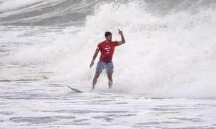 Gabriel Medina supera francês e vai às semifinais no surfe