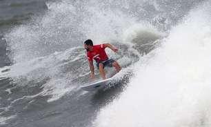 Medalhas no surfe são antecipadas pela tempestade próxima